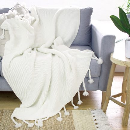 Milkcan-PTH27003-chunky-knit-cream-couch-800px2